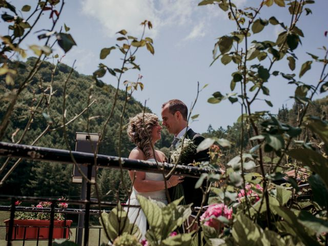 La boda de Julén y Nahiara en Urnieta, Guipúzcoa 45