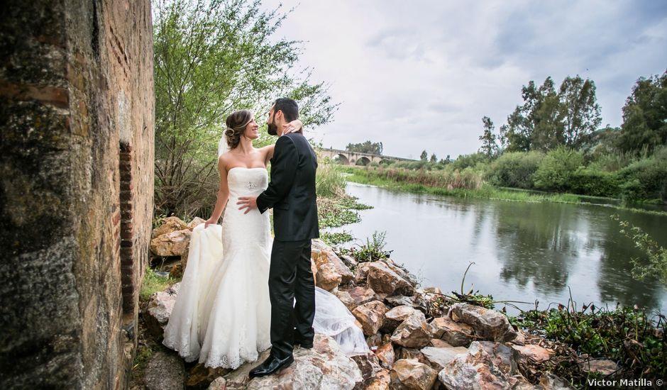 La boda de Daniel y Debora en Medellin, Badajoz