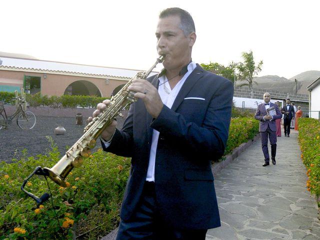 La boda de Joaquin y Cruz en Las Palmas De Gran Canaria, Las Palmas 16