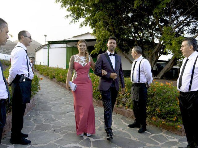 La boda de Joaquin y Cruz en Las Palmas De Gran Canaria, Las Palmas 17