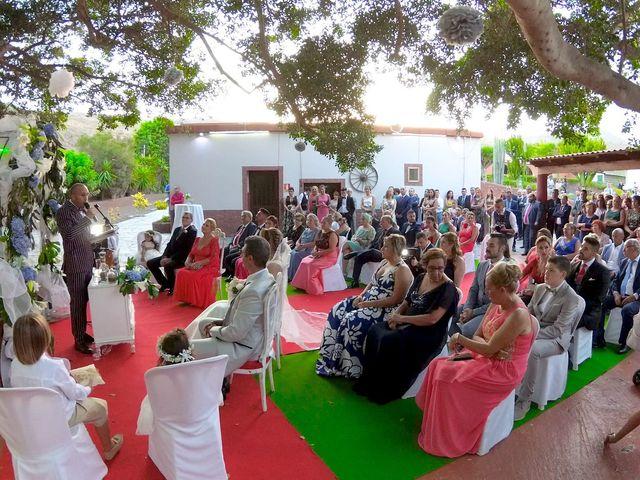La boda de Joaquin y Cruz en Las Palmas De Gran Canaria, Las Palmas 18
