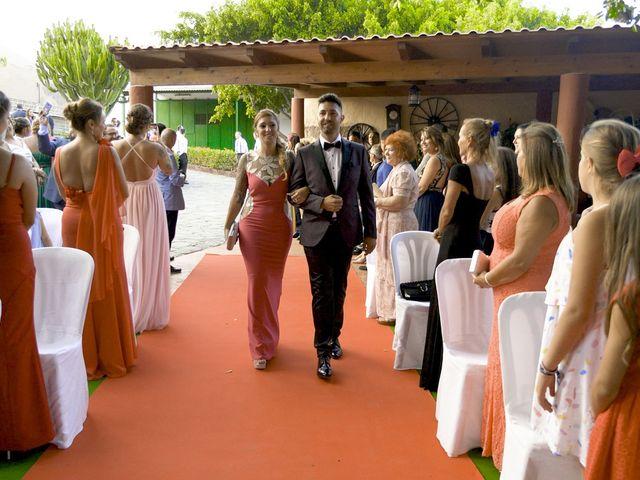 La boda de Joaquin y Cruz en Las Palmas De Gran Canaria, Las Palmas 19