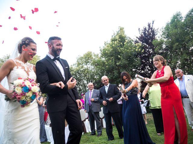 La boda de Roberto y Gloria en Madrid, Madrid 22