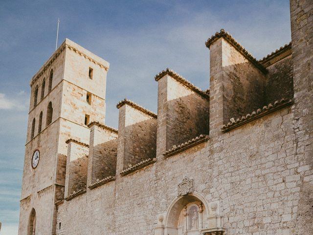 La boda de Jonathan y Lorena en Cala De San Vicente Ibiza, Islas Baleares 9