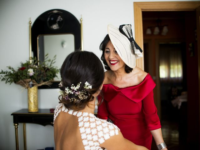 La boda de Rebeca y Iñaki en Donostia-San Sebastián, Guipúzcoa 24