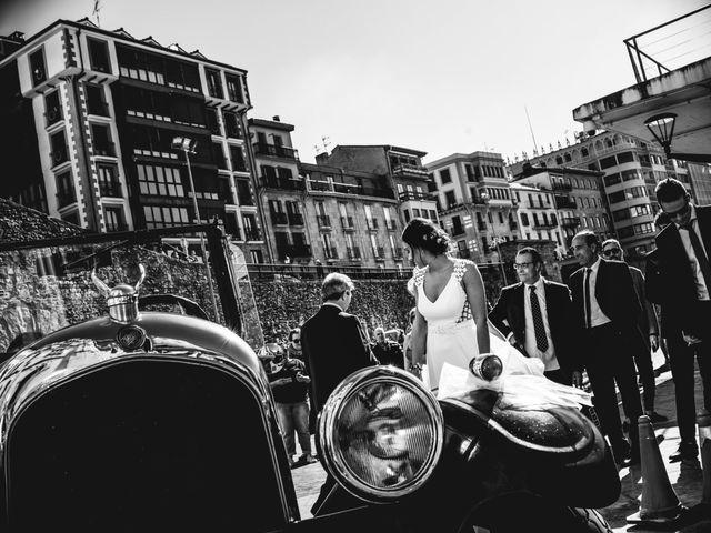 La boda de Rebeca y Iñaki en Donostia-San Sebastián, Guipúzcoa 32