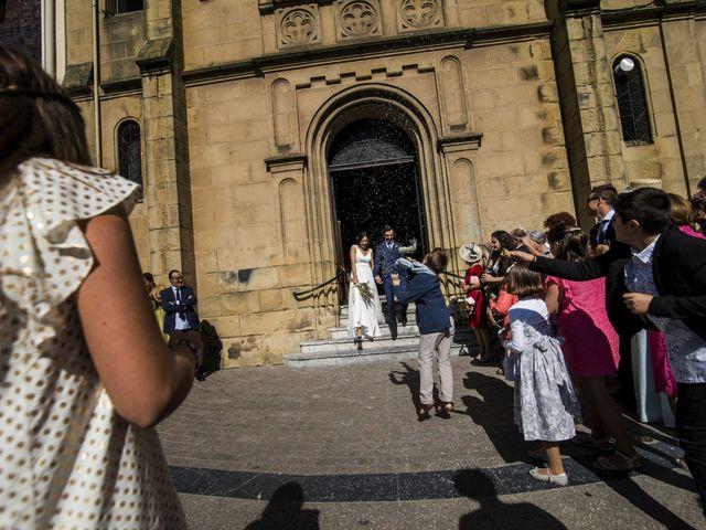La boda de Rebeca y Iñaki en Donostia-San Sebastián, Guipúzcoa 48