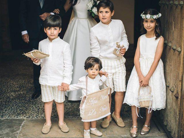 La boda de Tony y Lucía en Oviedo, Asturias 20