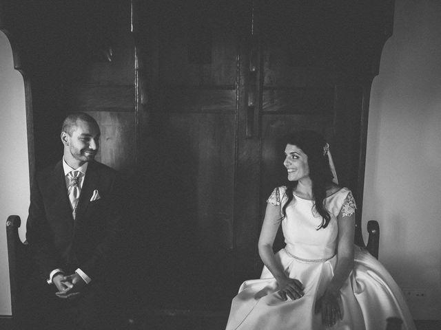 La boda de Tony y Lucía en Oviedo, Asturias 32