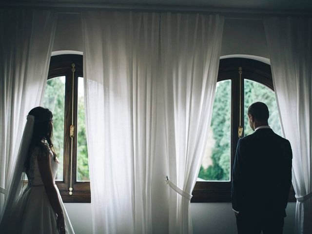 La boda de Tony y Lucía en Oviedo, Asturias 2