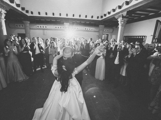 La boda de Tony y Lucía en Oviedo, Asturias 39