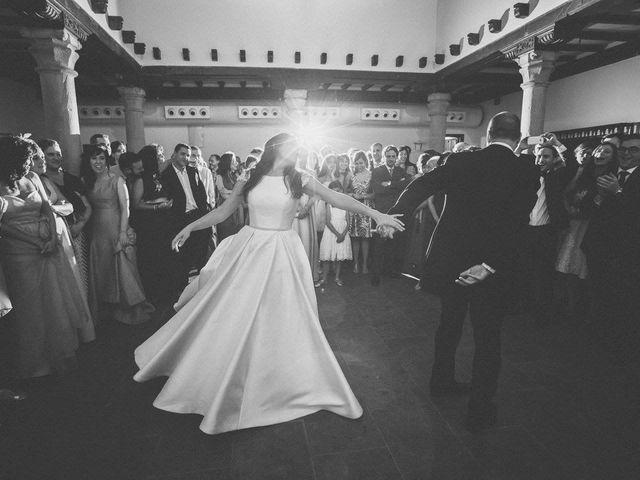 La boda de Tony y Lucía en Oviedo, Asturias 42