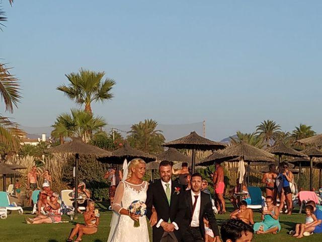 La boda de Óscar  y Beatriz  en Motril, Granada 24