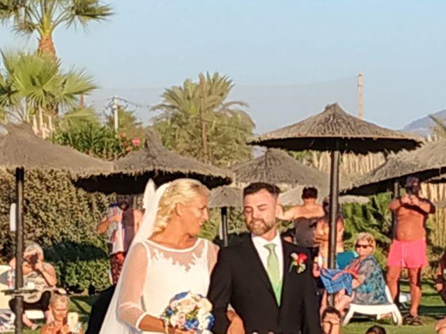 La boda de Óscar  y Beatriz  en Motril, Granada 26