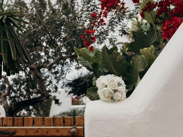 La boda de Dani y Andrada en Santa Eularia Des Riu, Islas Baleares 5