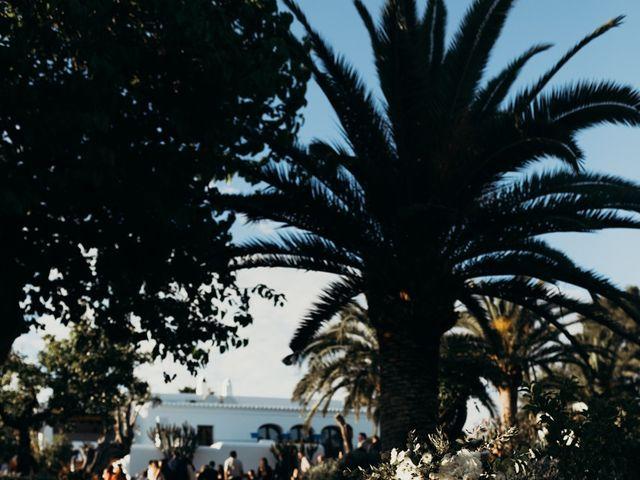 La boda de Dani y Andrada en Santa Eularia Des Riu, Islas Baleares 20