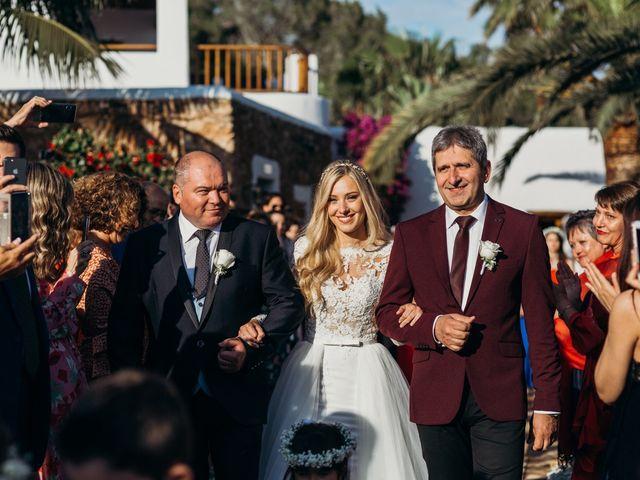 La boda de Dani y Andrada en Santa Eularia Des Riu, Islas Baleares 27