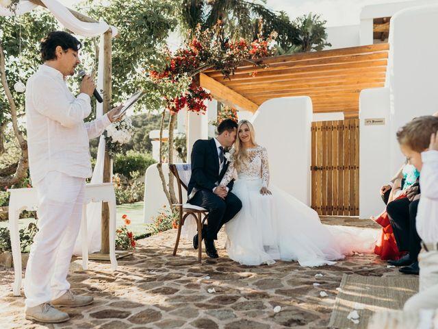 La boda de Dani y Andrada en Santa Eularia Des Riu, Islas Baleares 35