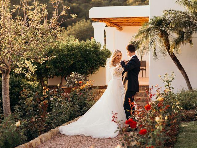 La boda de Dani y Andrada en Santa Eularia Des Riu, Islas Baleares 49