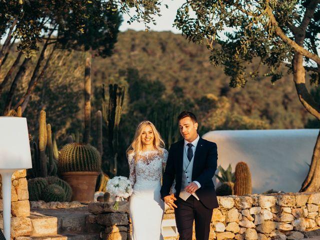 La boda de Dani y Andrada en Santa Eularia Des Riu, Islas Baleares 55