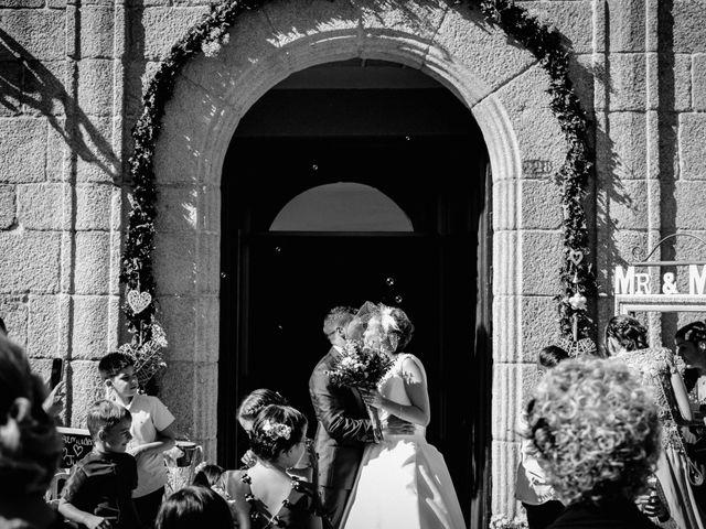 La boda de Juan Manuel y Almudena en Vigo, Pontevedra 21