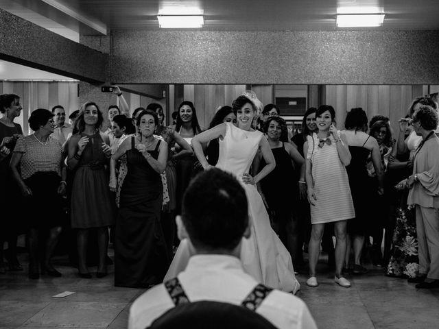 La boda de Juan Manuel y Almudena en Vigo, Pontevedra 24