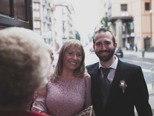 La boda de Iker y Olaia en Irun, Guipúzcoa 37