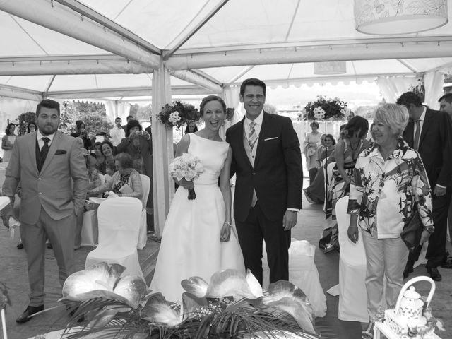 La boda de Jon y Sandra en Lezama, Álava 11