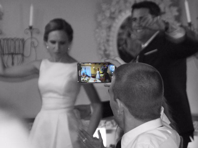 La boda de Jon y Sandra en Lezama, Álava 36