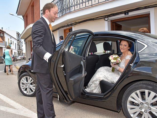 La boda de Roberto y Helena en Ballesteros De Calatrava, Ciudad Real 6