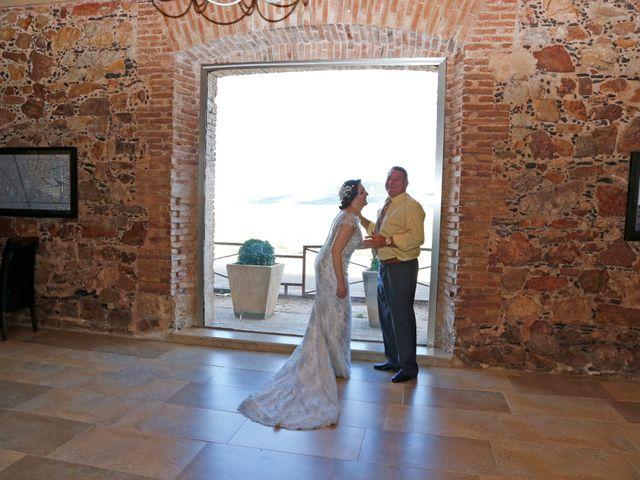 La boda de Roberto y Helena en Ballesteros De Calatrava, Ciudad Real 13