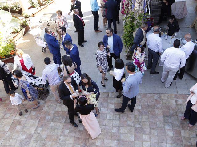 La boda de Roberto y Helena en Ballesteros De Calatrava, Ciudad Real 16