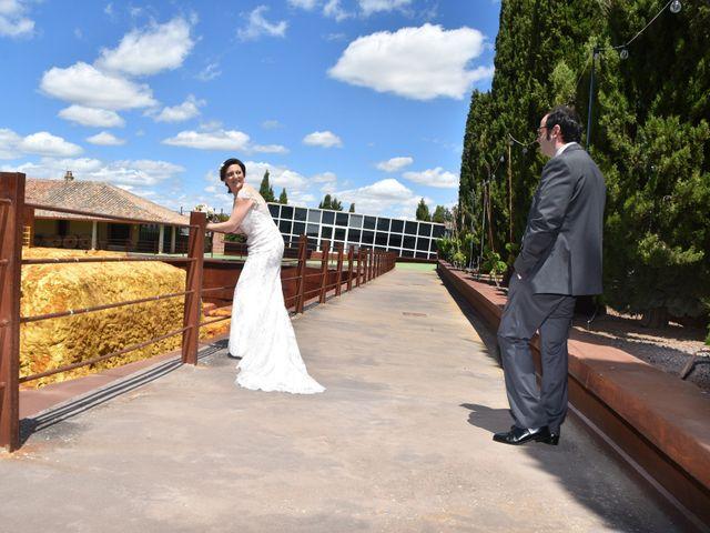 La boda de Roberto y Helena en Ballesteros De Calatrava, Ciudad Real 17