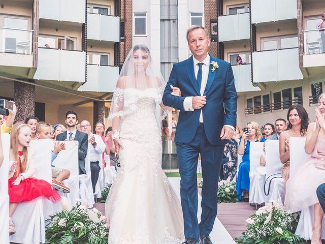 La boda de Denys y Vera en Alacant/alicante, Alicante 27