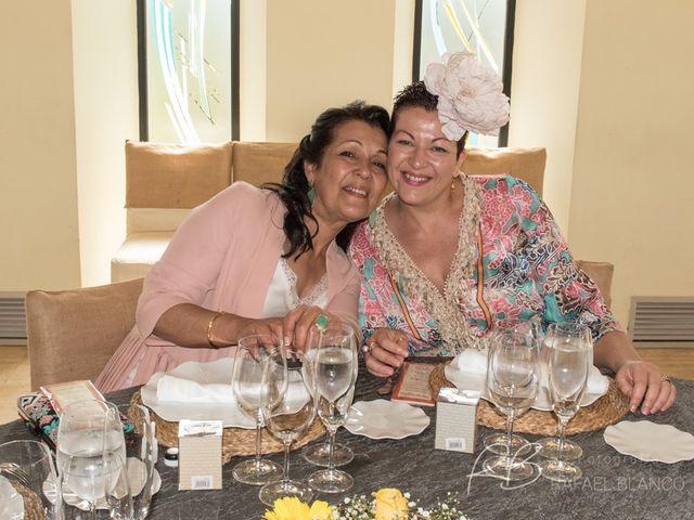 La boda de Estefania  y Iván  en Sant Fost De Campsentelles, Barcelona 54