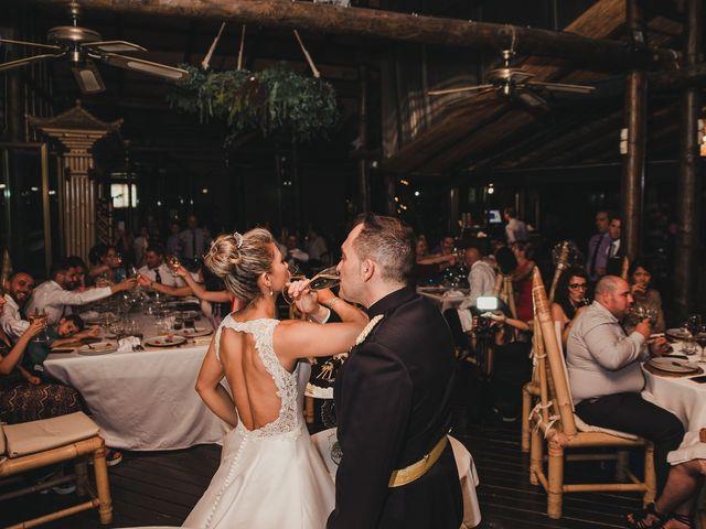La boda de Claudia y Santiago en Torremolinos, Málaga 7
