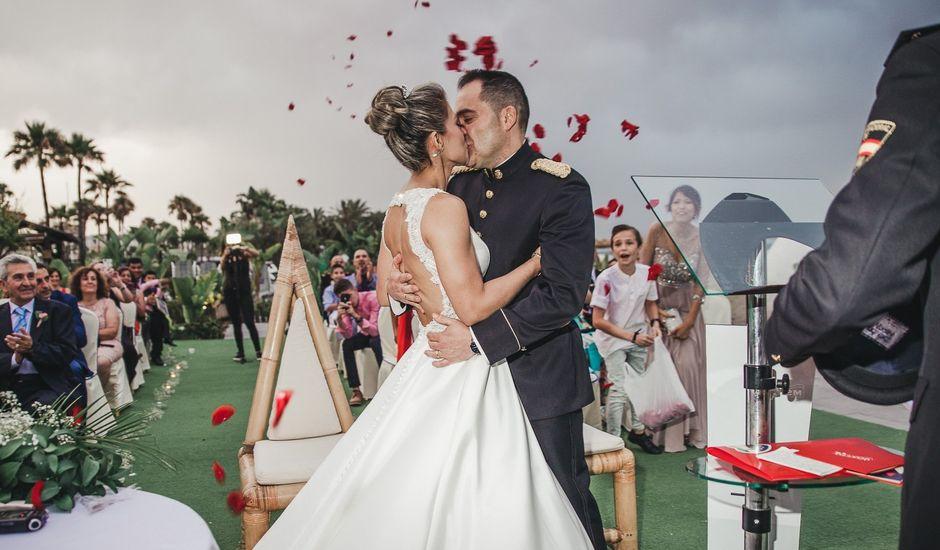 La boda de Claudia y Santiago en Torremolinos, Málaga