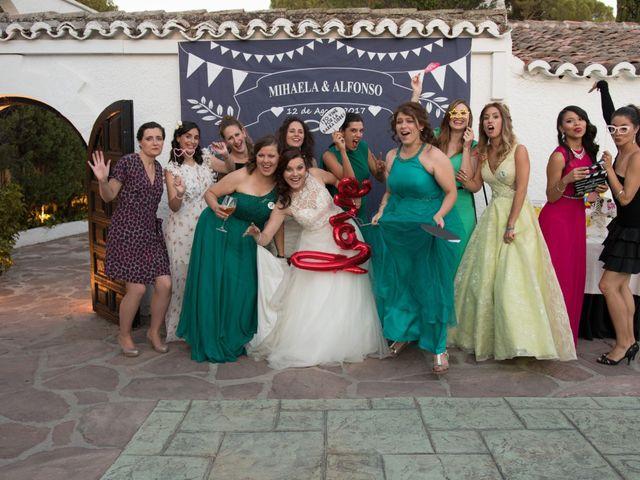 La boda de Alfonso y Mihaela en Simancas, Valladolid 31