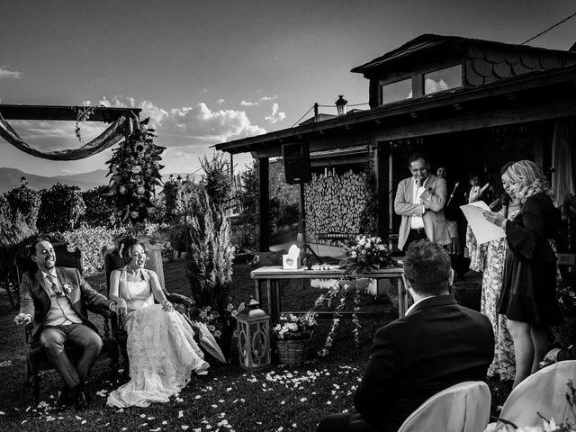 La boda de Oscar y Manuela en Canedo, León 17