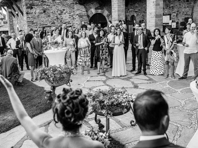 La boda de Oscar y Manuela en Canedo, León 20