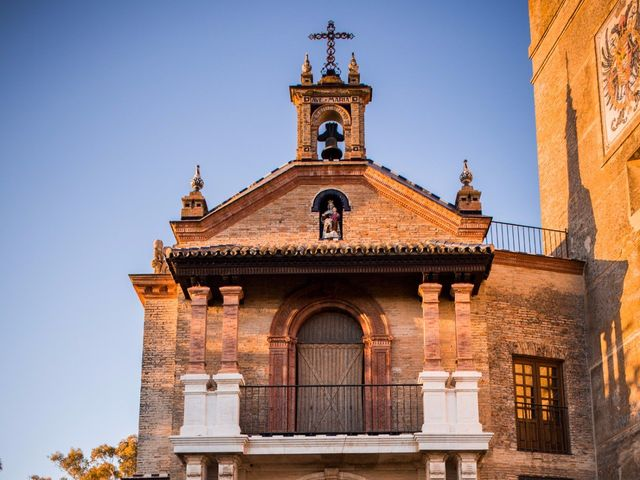 La boda de Carlos y Beatriz en Fuentes De Andalucia, Sevilla 3