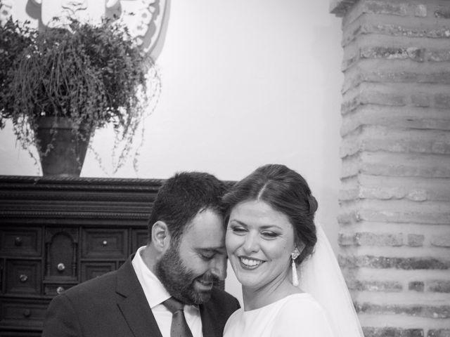 La boda de Carlos y Beatriz en Fuentes De Andalucia, Sevilla 12