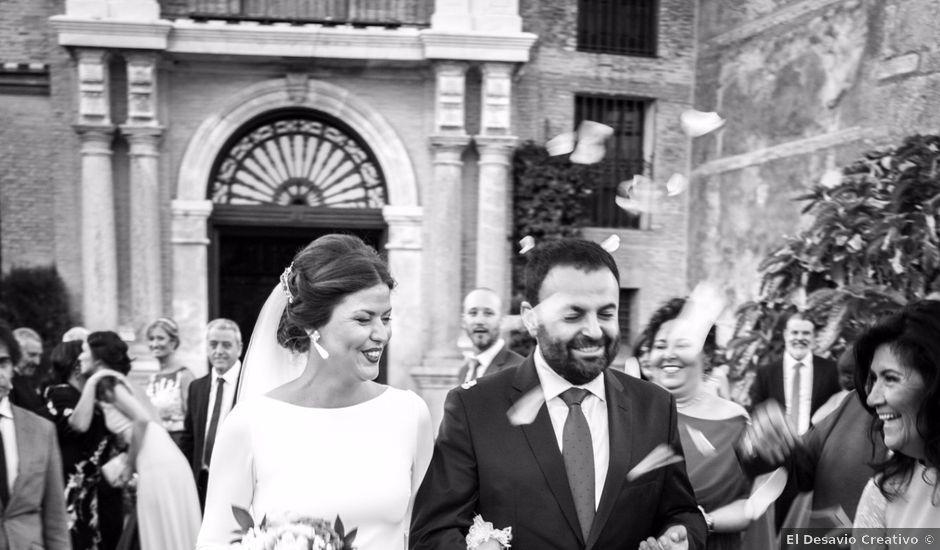 La boda de Carlos y Beatriz en Fuentes De Andalucia, Sevilla
