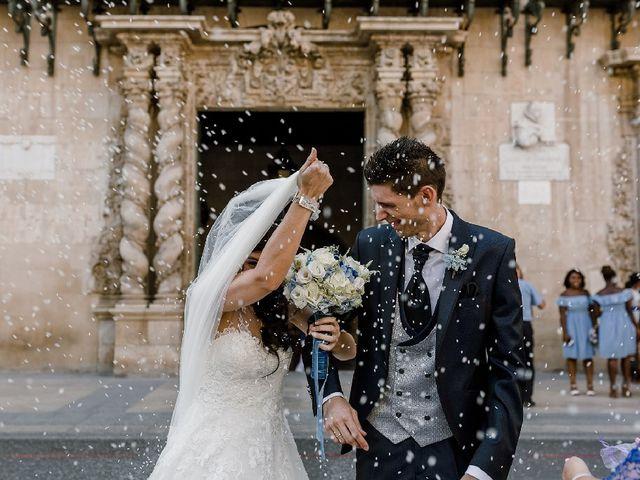 La boda de Alberto y Manoli en Alacant/alicante, Alicante 25