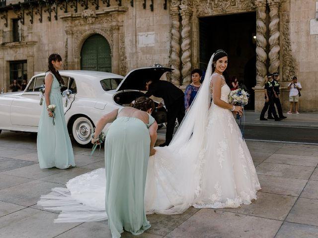 La boda de Alberto y Manoli en Alacant/alicante, Alicante 35