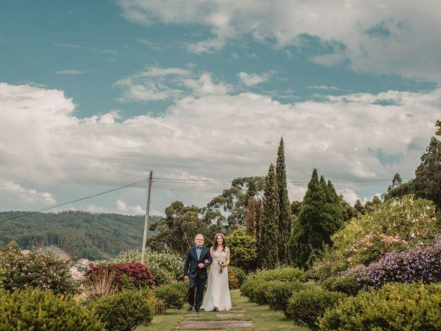 La boda de Odilo y Sonia en Bueu (Casco Urbano), Pontevedra 25