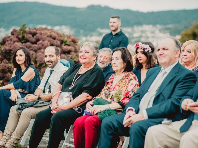 La boda de Odilo y Sonia en Bueu (Casco Urbano), Pontevedra 27