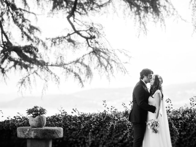 La boda de Odilo y Sonia en Bueu (Casco Urbano), Pontevedra 51
