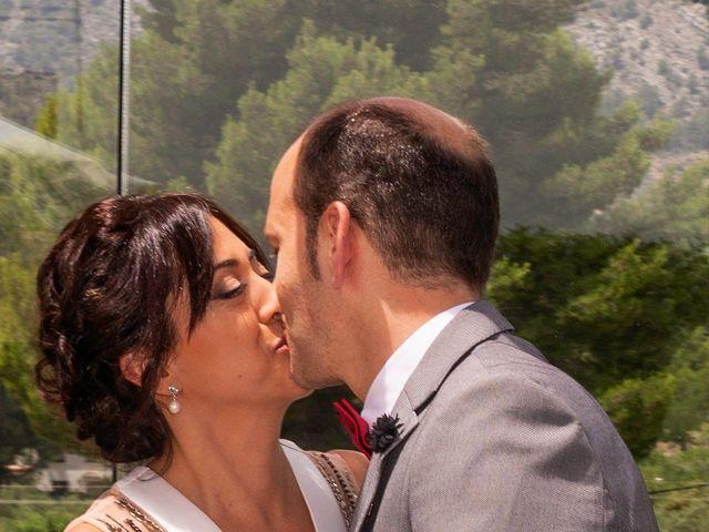 La boda de Alberto y Raquel en Muro De Alcoy, Alicante 12