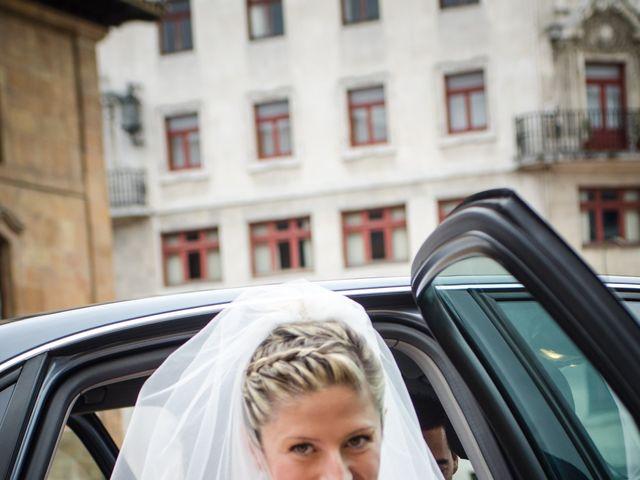La boda de Gonzalo y Lorena en Oviedo, Asturias 26